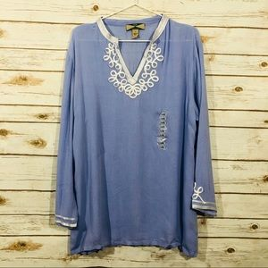 525 America long sleeve embroidered v neck top
